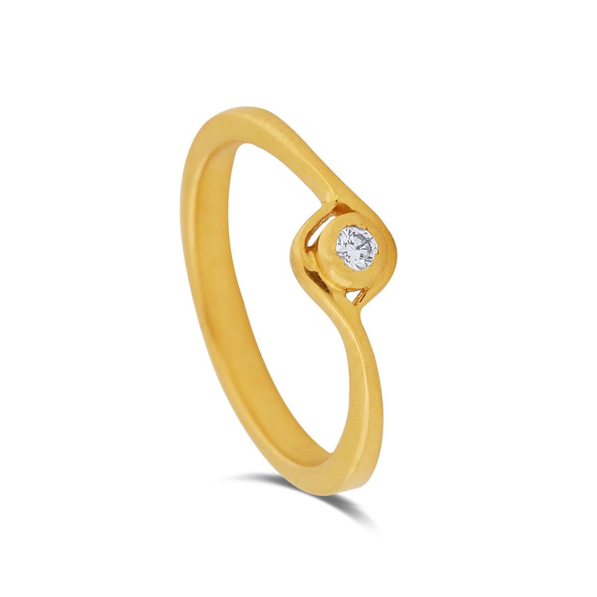 Prathyusha Yellow Gold Diamond Ring