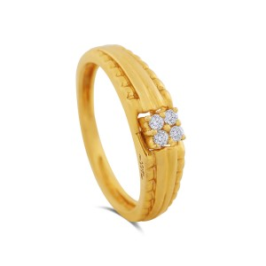 Akshay Men's Yellow Gold Diamond Ring