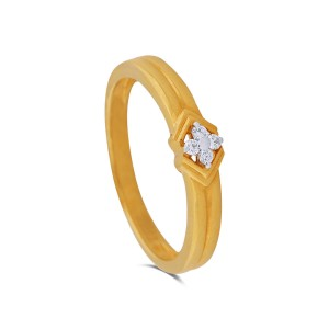 Lilith Yellow Gold Diamond Ring