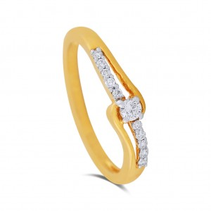 Lia Yellow Gold Diamond Ring