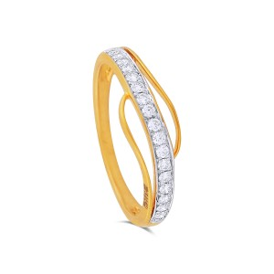 Lisa Yellow Gold Diamond Ring
